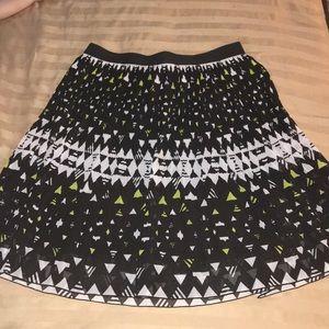 Madison Fan Skirt Medium Elastic EUC